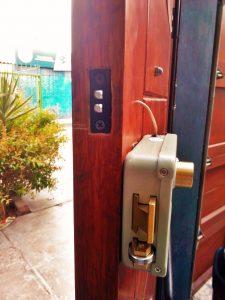 Instalación De Chapa Eléctrica Con Intercomunicador